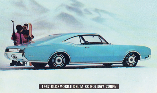 Oldsmobile Delta 88 Holiday Coupe 1967 Skiing | Vintage Cars 1891-1970