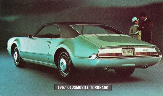 Oldsmobile Toronado 1967 Couple | Vintage Cars 1891-1970