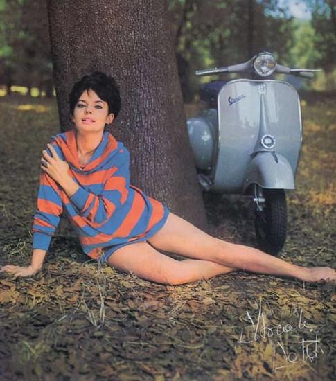 Vespa Pascale Petit 1963 | Sex Appeal Vintage Ads and Covers 1891-1970
